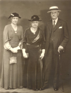 Mary Alice Dyckman Dean, Fannie Fredericka Dyckman Welch and Alexander Welch, c. 1930s