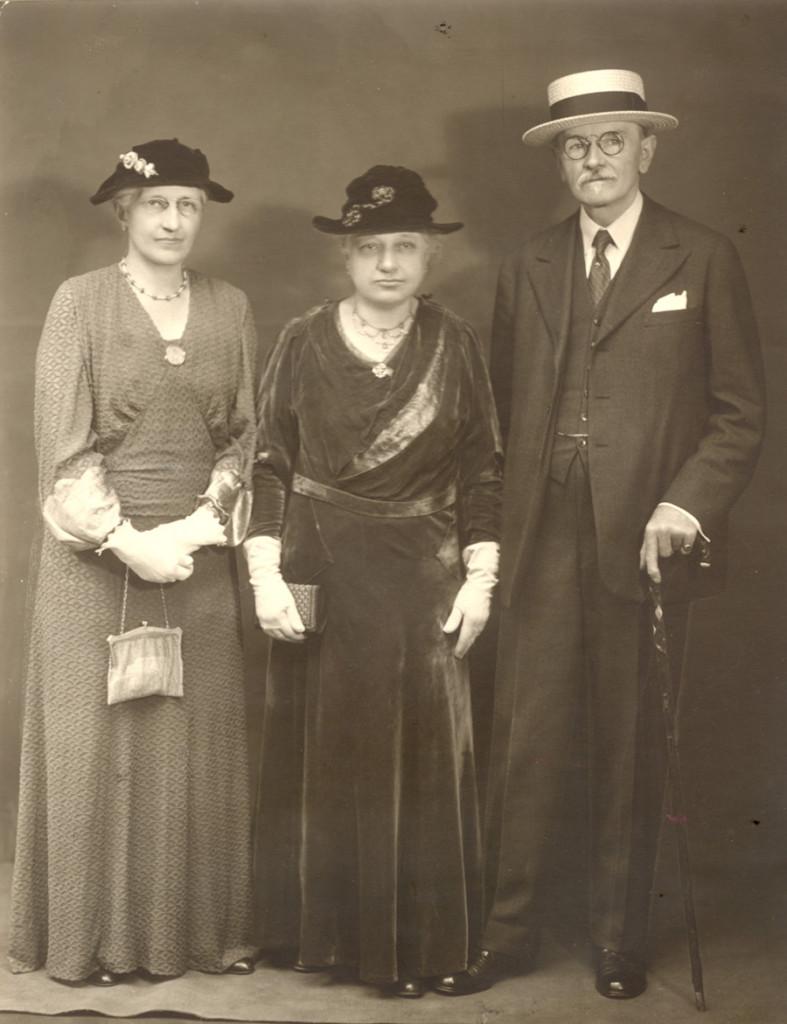 Mary Alice Dyckman Dean, Fannie Fredericka Dyckman Welch and Alexander Welch, c. 1930s
